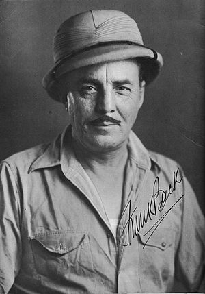 Frank Buck (animal collector) - Buck in a signed photograph from his souvenir booklet for the 1939 New York World's Fair