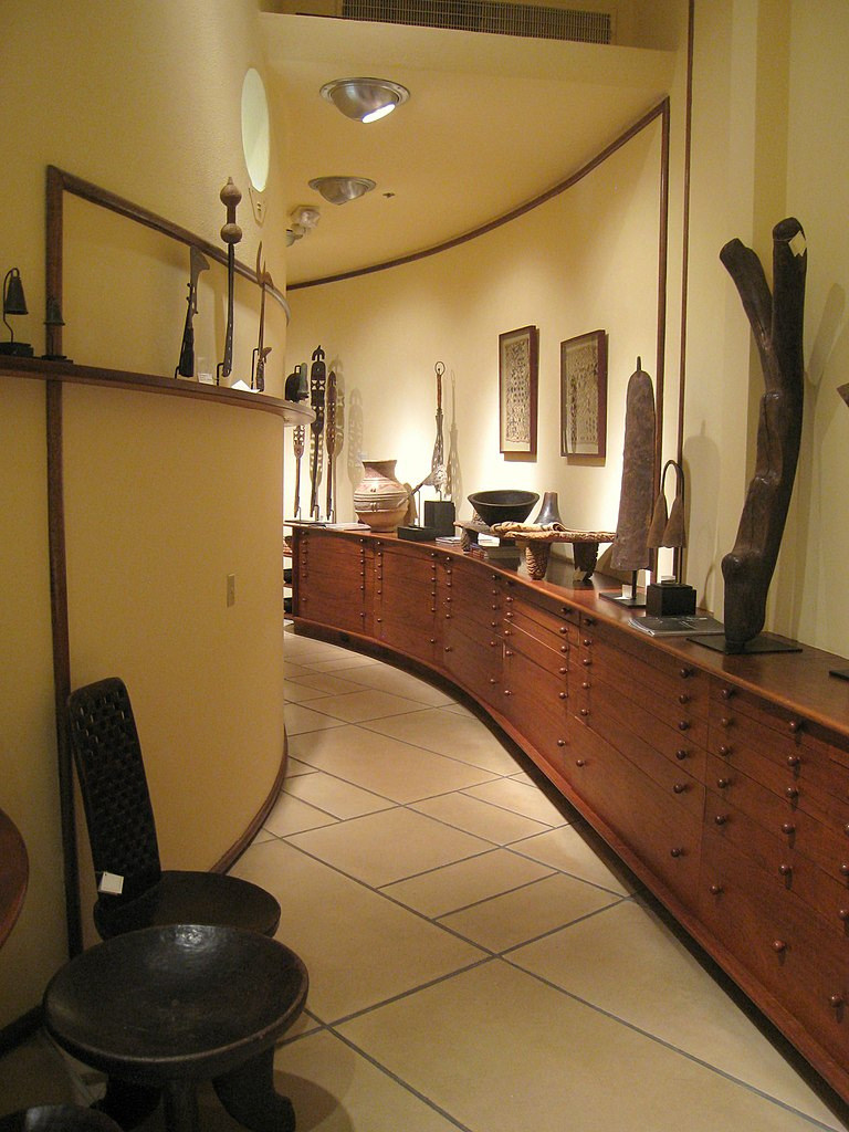 file frank lloyd wright v c morris gift shop sf wikipedia. Black Bedroom Furniture Sets. Home Design Ideas
