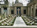 Friedhof Wilmersdorf - Erbbegräbnis von Loebell.jpg