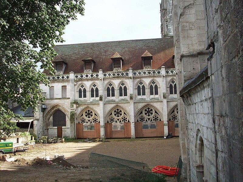 File:Galerie du cloître du collège d'Albane.JPG