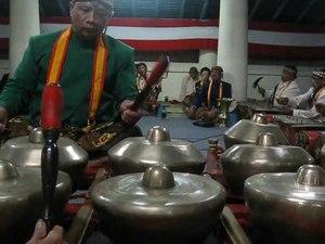 File:Gamelan of Keraton Surakarta (Solo).ogv