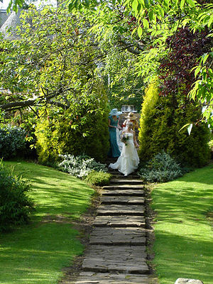 English: Garden Wedding at Rufflets Hotel