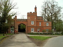 Gatehouse to Edwardstone Hall, Suffolk - geograph.org.uk - 164593.jpg