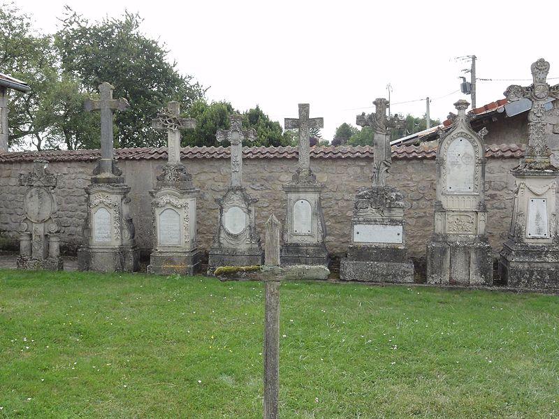 Gimécourt (Meuse) cimetière, anciennes croix