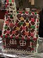 Gingerbread house (19667900864).jpg