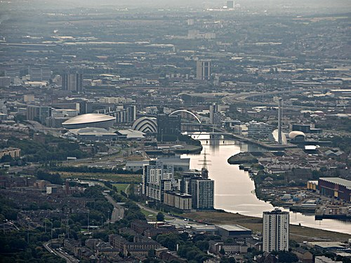 Glasgow and the Clyde from the air (geograph 4665720).jpg