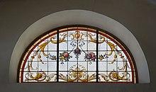 Glaslunette Rochuskapelle Fonteklaus.JPG