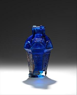 Ennion - Image: Glass hexagonal amphoriskos MET DP329591