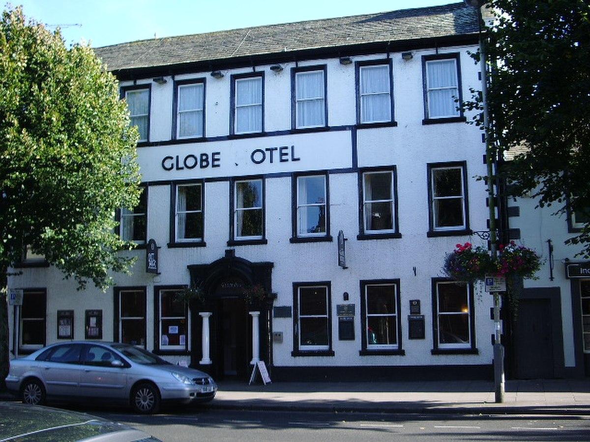 Globe Hotel, Main street, Cockermouth - geograph.org.uk - 552966.jpg