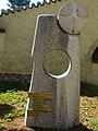 Grabstein von Albin Fringeli neben dem Heimatmuseum des Schwarzbubenlandes in Dornach, Solothurn.jpg