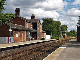 Greenbank railway station platforms looking towards Manchester in 2008.jpg