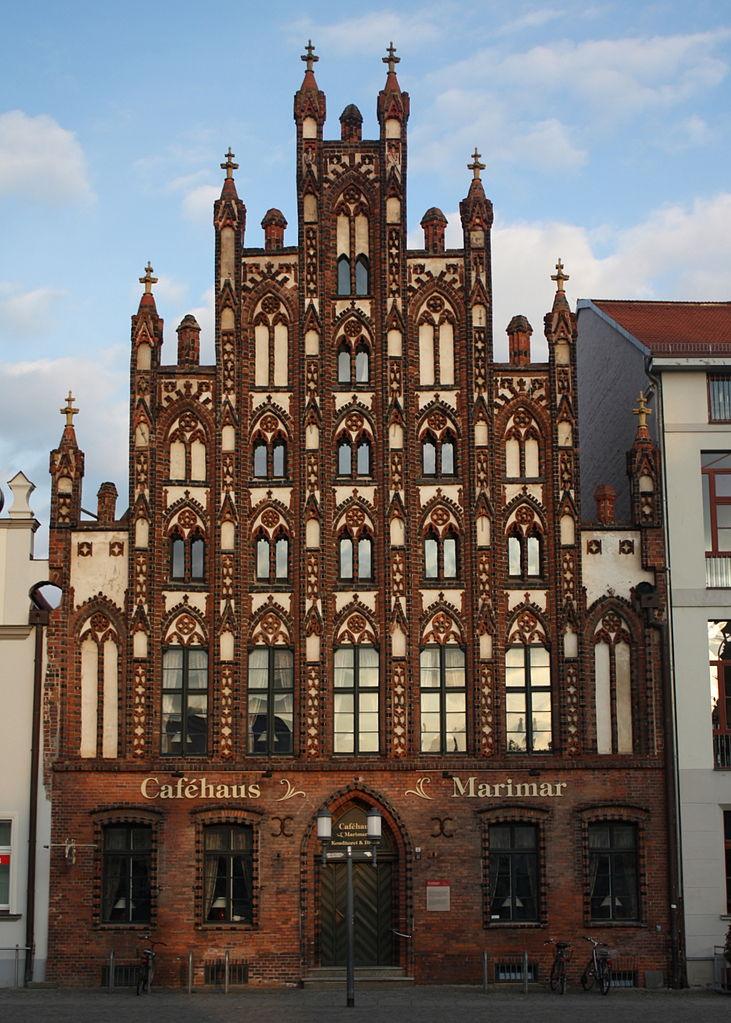 731px-Greifswald_Markt_11_001.jpg