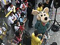 HK Central Chater Road Sunday party visitors Rat 14-Oct-2012.JPG