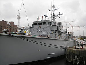 HMS Atherstone at Liverpool in 2006.JPG