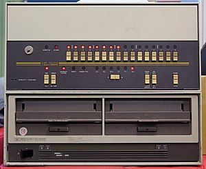 "HP 2100 - HP 1000 E-Series minicomputer with a 9895A dual 8 inch ""flexible disc memory"" drives."