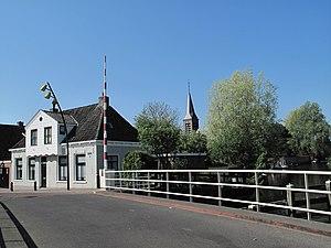 Heeg - Image: Heeg, zicht op kerk 1 vanaf brug foto 4 2011 04 25 11.02