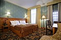 Hotel Ekesparre Residence standard room - panoramio.jpg