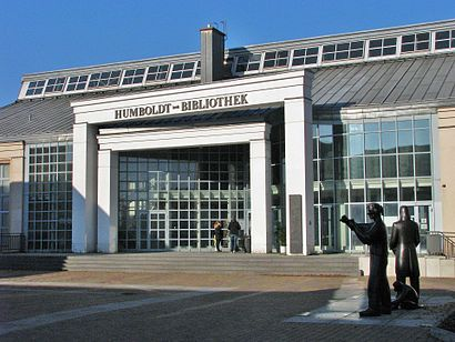 How to get to Humboldt-Bibliothek with public transit - About the place