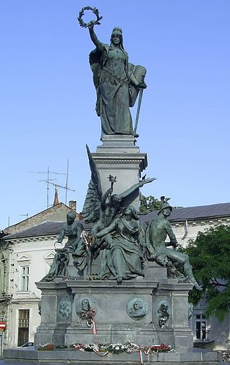 Lady of Hungaria - Lady of Hungaria at the monument of Arad
