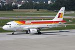 Iberia Airbus A319-111 EC-KBX (21649778549).jpg
