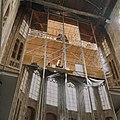 Interieur. Geopende afscheidingswand met goederenlijst - Alkmaar - 20342250 - RCE.jpg