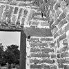 interieur toren natuurstenen fragment (rode zandsteen) voormalige doorgang naar kerk. - afferden - 20005083 - rce