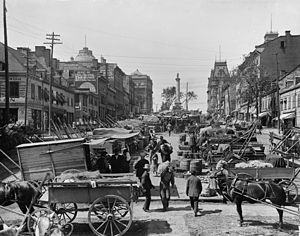 History of Montreal - Jacques Cartier Square 1900