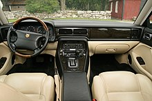Jaguar X300 interior (1995, Warm charcoal & Cream).jpg