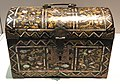 Japan c 1600 - chest in wood lacquer gold copper mother-of-pearl IMG 9448 Museum of Asian Civilisation.jpg