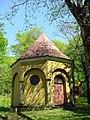 Jedna z kaplic na Górze Rózańcowej w Bardzie.JPG