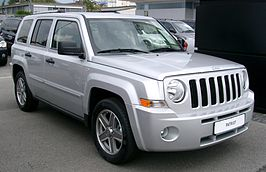 Jeep Patriot front 20080727.jpg
