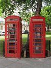 K6 Telephone Kiosks en Powis Square, Brajtono (IoE Code 481055).jpg