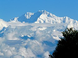 Kanchanjanga peak of the Himalayas from Darjeeling.jpg
