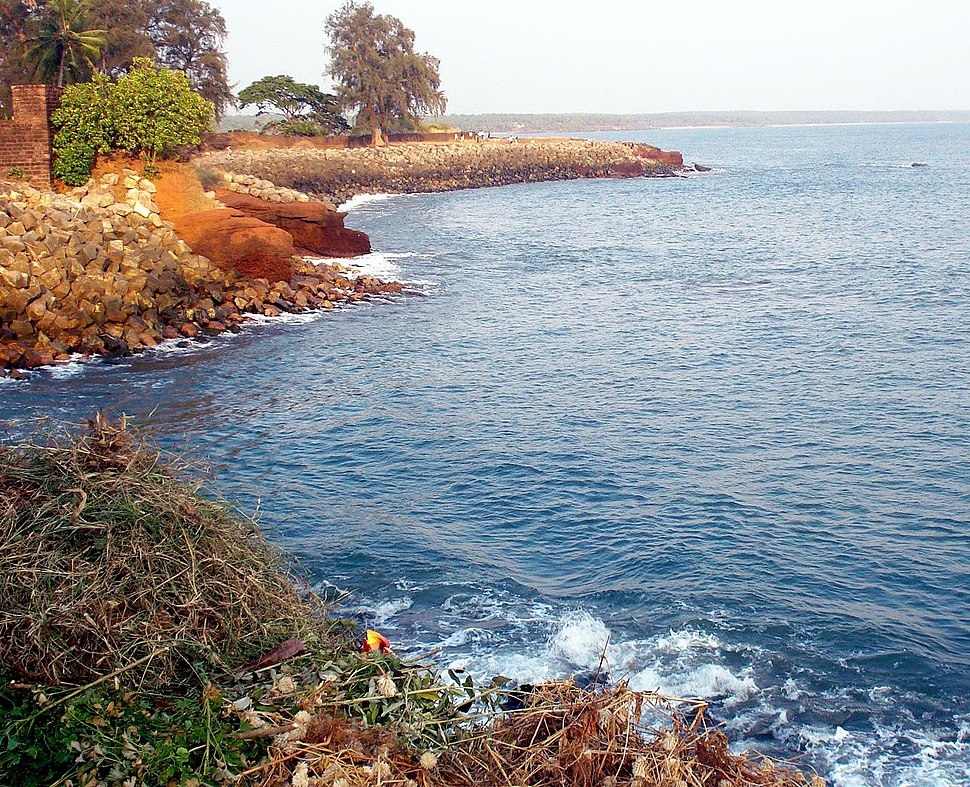 Kannur kotta, Arabian sea