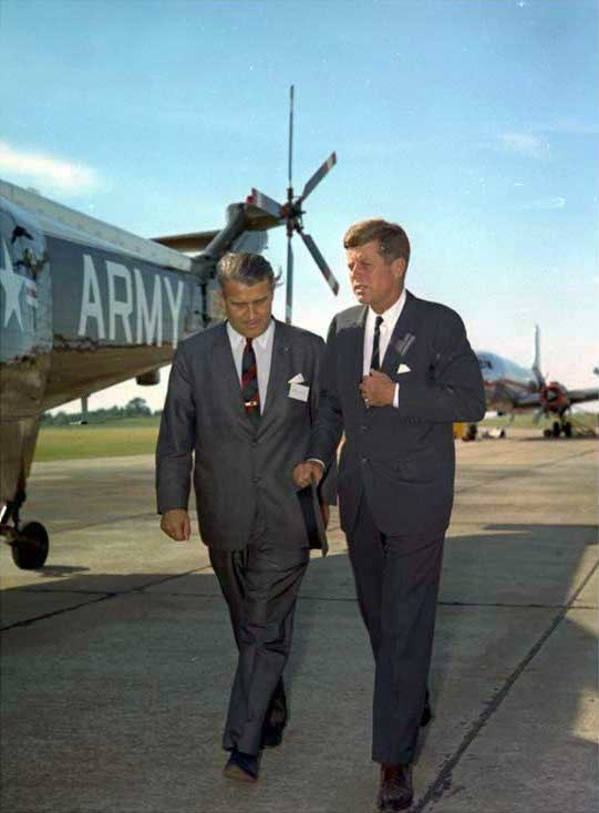 Kennedy vonbraun 19may63 02.jpg