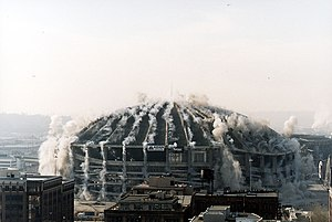 Kingdome - The Kingdome imploding in March 2000