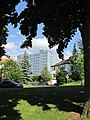Kleiner Park zwischen Goldbachstraße und Langenhainer Weg - Blick zum Kreiskrankenhaus - Eschwege - panoramio.jpg