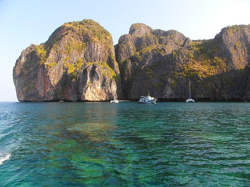 File:Koh Phi-Phi 2013 march - panoramio (4).jpg