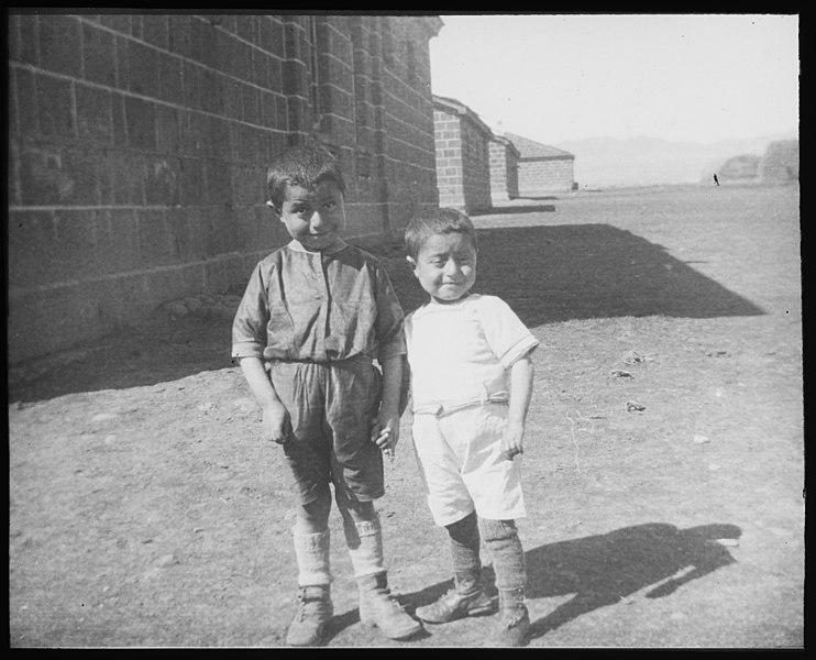File:Kvinnelige Misjonsarbeideres arbeid i Armenia - fo30141712200027.jpg