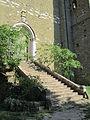 La scalinata 'Abbazia di Santa Maria di Valdiponte o Montelabate.JPG