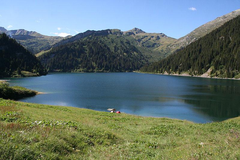 Fichier:Lac de Saint-Guérin.JPG