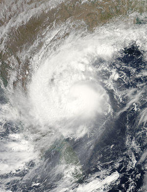 2010 in India - Cyclone Laila over India, 19 May 2010