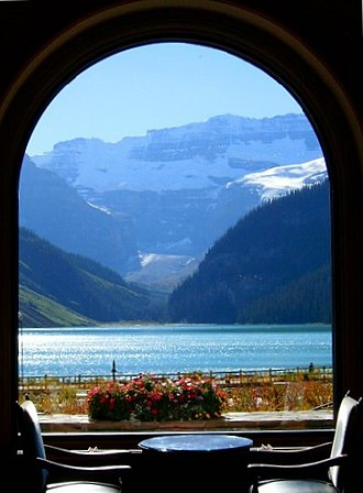Chateau Lake Louise - Image: Lake Louise window
