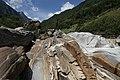 Lavertezzo. Il fiume. 2011-08-13 12-30-26.jpg