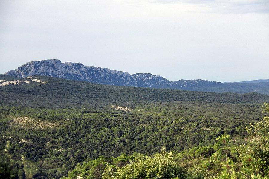 Pic Saint Loup north side, from oppidum Matane, Mas neuf.