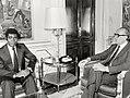 Leopoldo Calvo Sotelo se reúne con el presidente de Guinea Ecuatorial. Pool Moncloa. 13 de mayo de 1982.jpeg