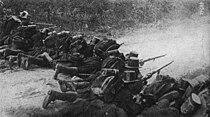 Liége - 1914 - Soldats d'infanterie prenant part à la défense de Liège dans les faubourgs d'Herstal.jpg