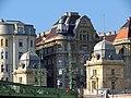 Liberty Bridge, Pest side, 2013 Budapest (516) (12824371654).jpg