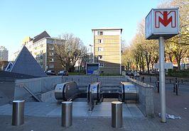 Lille grand palais metrostation wikipedia - Station essence porte des postes lille ...