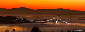 Lions Gate Bridge - Image: Lion's Gate Bridge at Sunset
